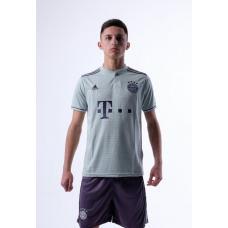Бавария Мюнхен футбольная форма гостевой комплект 2018/2019/майка и шорты