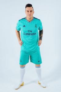 Футбольная форма Реал Мадрид 19-20 резервная